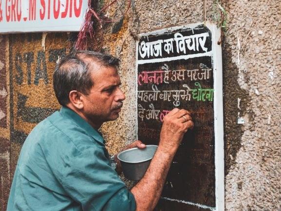 hindi-kirjoitusta2-Akshat-Vats-Unsplash.jpg
