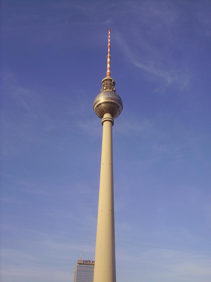 saksa_landmark-building-high-berlin.jpg