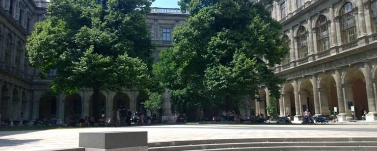 Saksa, Wienin yliopisto, leikattu.jpg